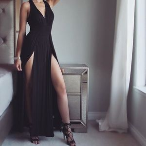 Dresses & Skirts - Black maxi dress with slits / prom / homecoming